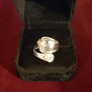 Oneida brand ring